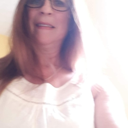 Sandy is looking for singles for a date