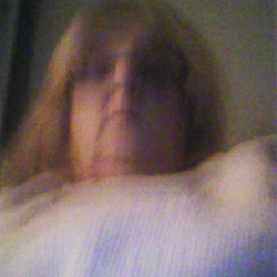 Geraldine is looking for singles for a date