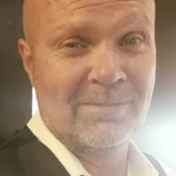 Chris, 47 from Kentucky