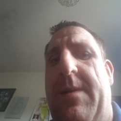 Steven is looking for singles for a date