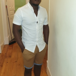 Toyboy is looking for singles for a date