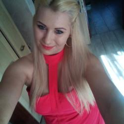 sexting  Hughette in Cardiff