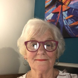 Rosalind is looking for singles for a date