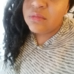 Jhozette is looking for singles for a date