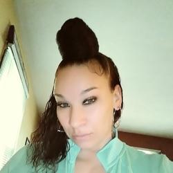 Nikki (40)