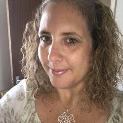 Sarah (40)