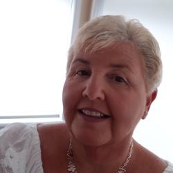 Linda (52)