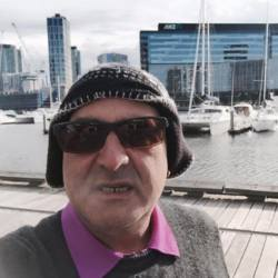 Olderwiser is looking for singles for a date