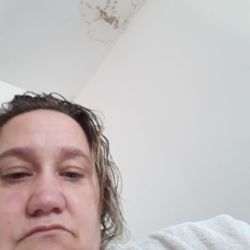 Vikki is looking for singles for a date