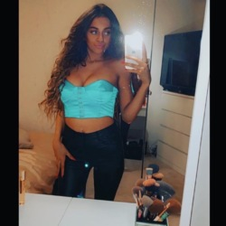 Khloe is looking for singles for a date