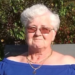 Linda (70)