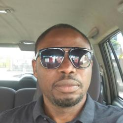 Ola is looking for singles for a date