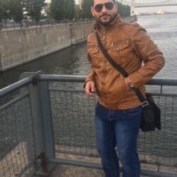 Bahadin, 28 from Manitoba