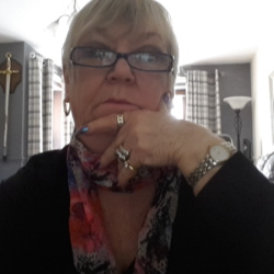 Gladys is looking for singles for a date