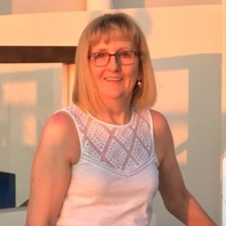 Tricia is looking for singles for a date